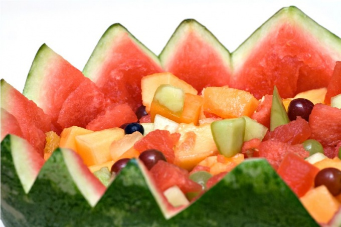 Как готовить салаты из фруктов