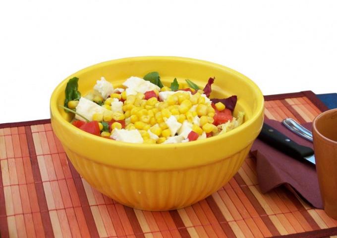 Как готовить салаты из крабовых палочек