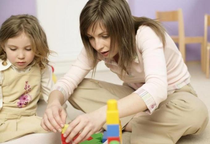 Как придумать развивающие игры для девочки