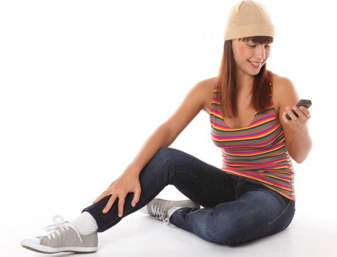 Как носить кеды с джинсами