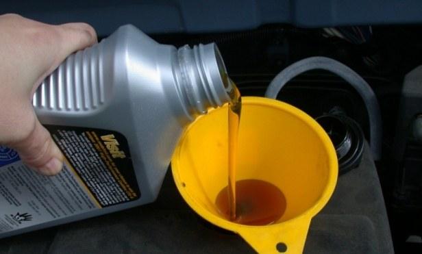 Как выбрать моторное масло для зимы