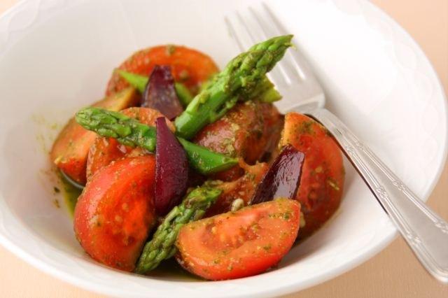 Какие бывают салаты с помидорами