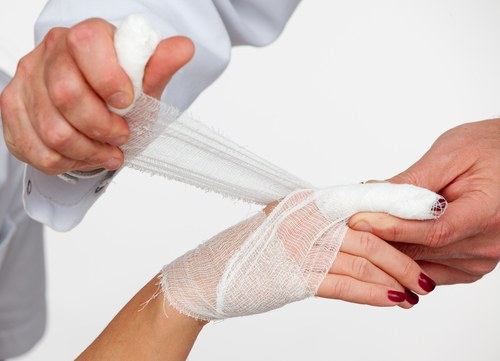 How to treat the wound with iodine