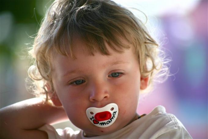 Как начинать сажать на горшок ребенка