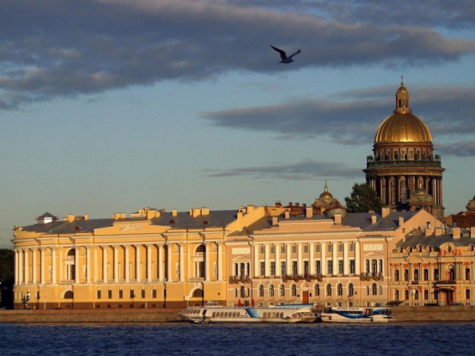 As for the phone number to find an address in Saint-Petersburg