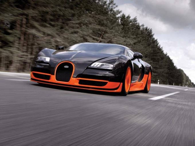 Bugatti Veyron Super Sports - один из самых дорогих автомобилей