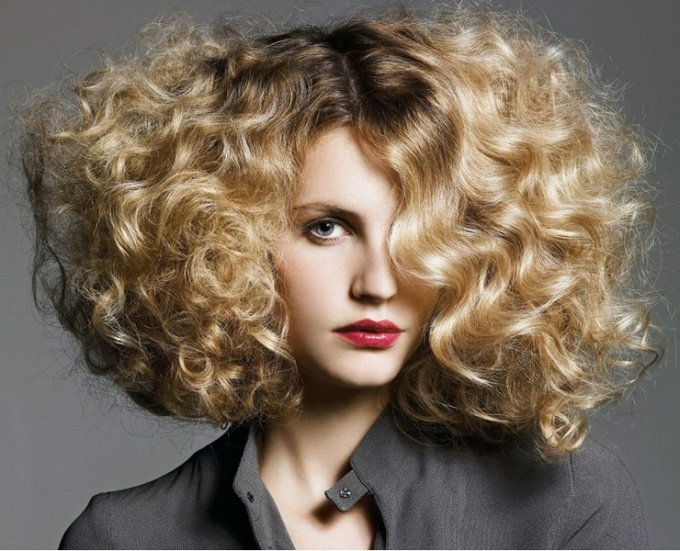 What are the types of perm hair