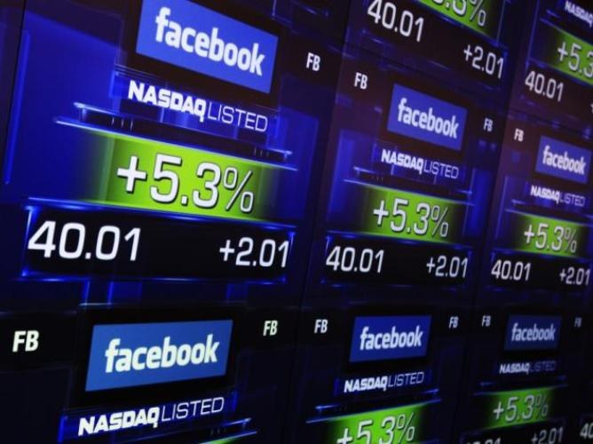 Кто владеет Facebook