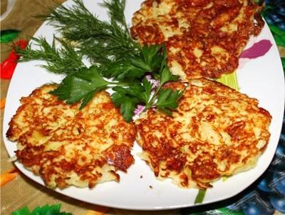 Как приготовить оладьи из цветной капусты с пармезаном