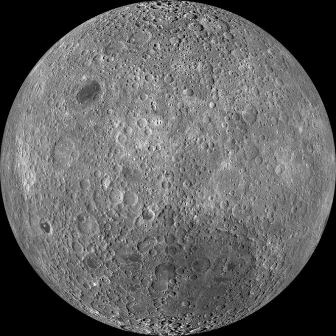 Темная (обратная) сторона Луны
