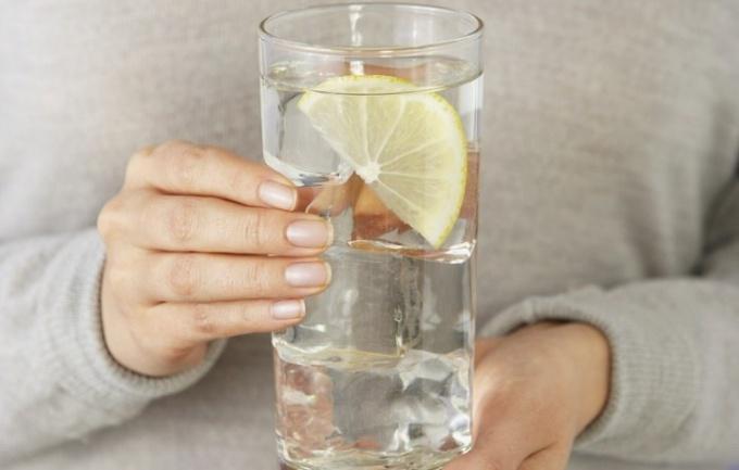 Как приготовить лимонный напиток