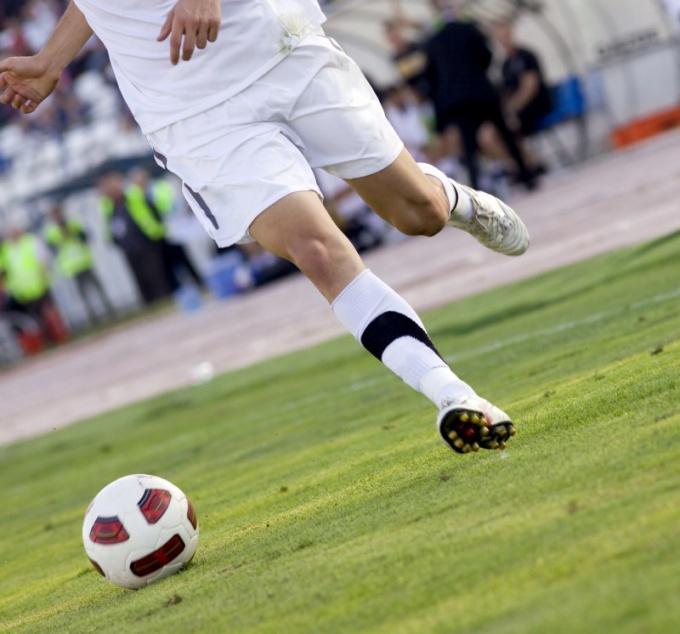 Почему власти Италии намерены запретить футбол