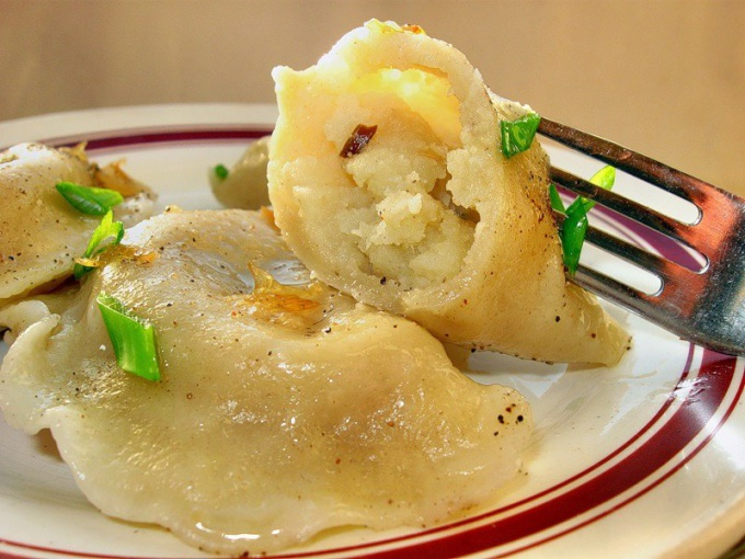Как сделать вареники с картошкой