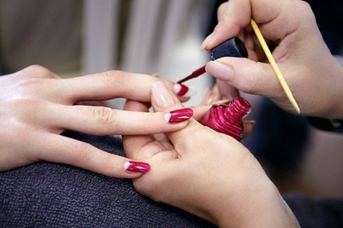 How to choose the material for nails