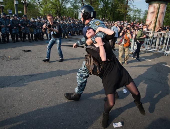 Как могут оштрафовать за митинги