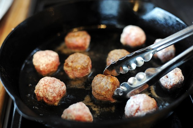 Как приготовить мясные фрикадельки