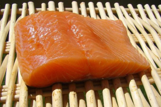 Как приготовить котлеты из белой и красной рыбы