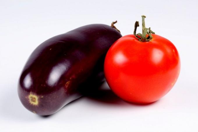 Как сделать баклажаны с помидорами