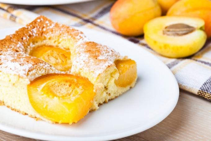 Как сделать абрикосовый пирог с миндалем