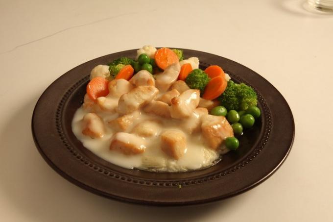 Как сделать овощную смесь в сметанном соусе