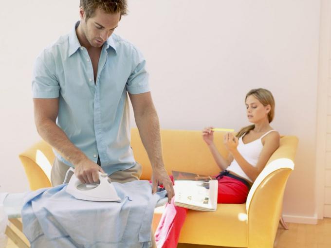 Как научить мужчину помогать по дому