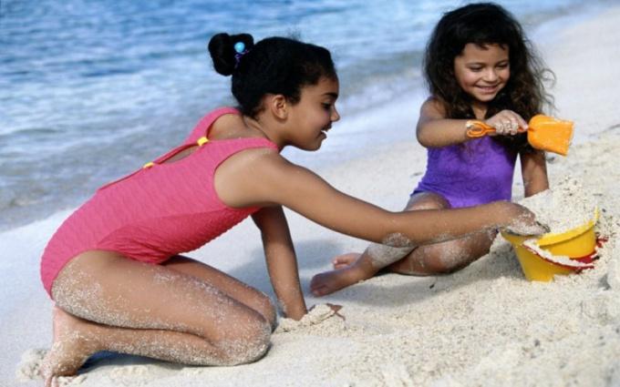 Как выбрать купальник для ребенка