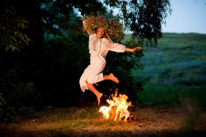 Как проходит Яанов день в Эстонии