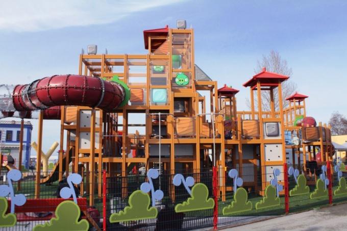 Как попасть в парк развлечений Angry Birds