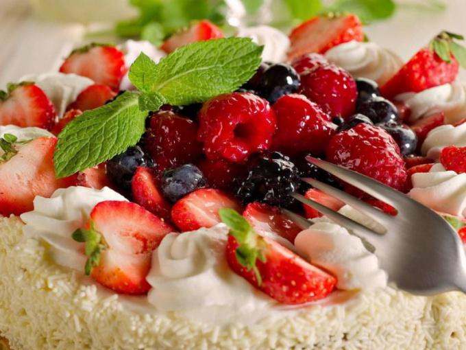Как приготовить пирог со сгущенкой