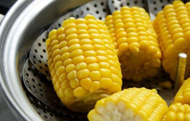 Какие бывают салаты из кукурузы