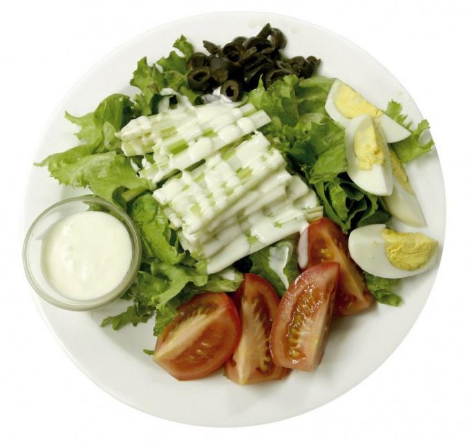 Как приготовить салат из сельдерея