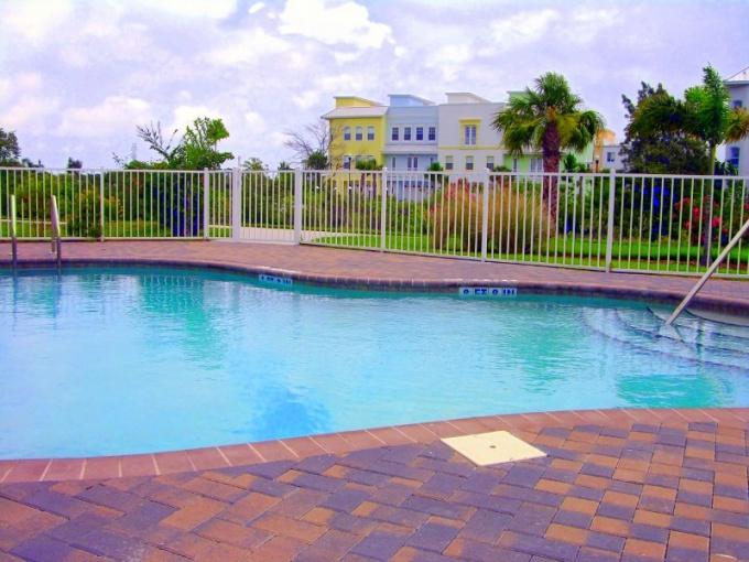 Как установить на даче плавательный бассейн