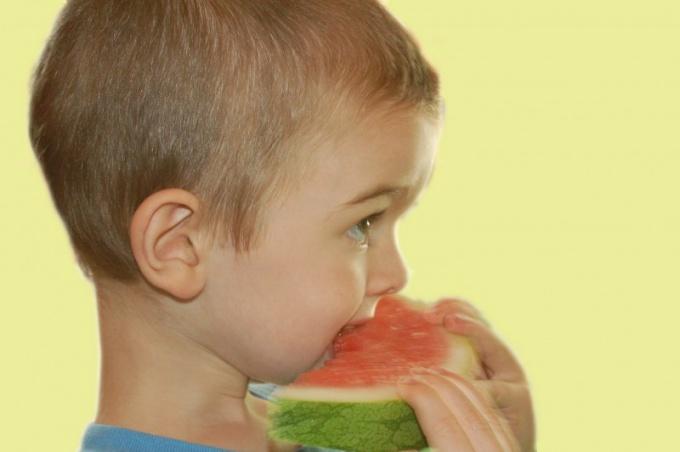 Что давать детям от запора