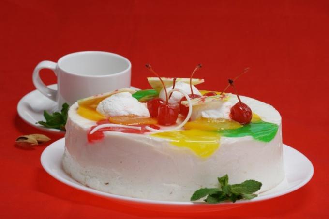 Как приготовить йогуртовый торт с шоколадом