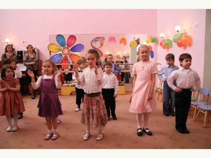 Как написать сценарий праздника 8 марта для детского сада
