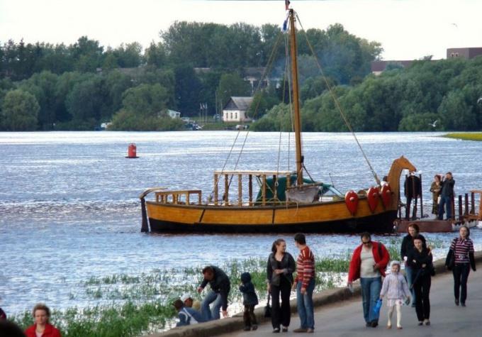 Как будет проходить парад старинных кораблей в Великом Новгороде