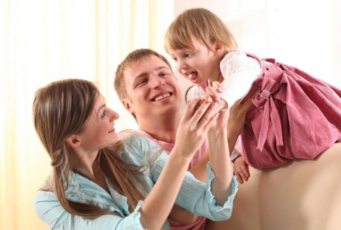 ❶ Как американцу усыновить российского ребенка