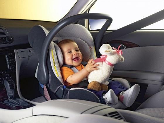 Как помочь ребенку при укачивании в транспорте