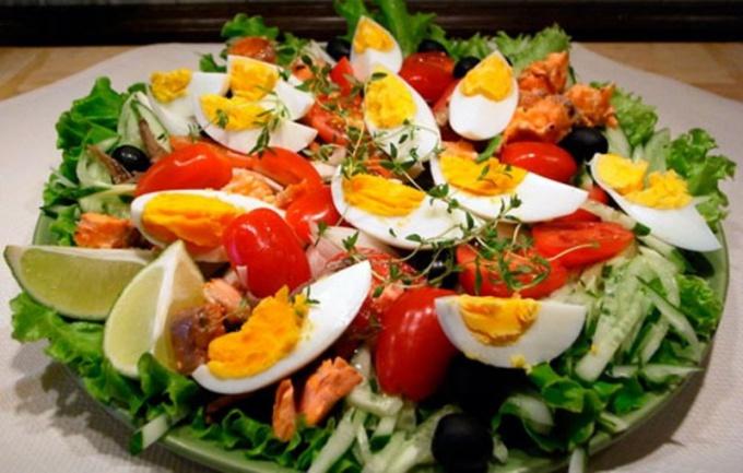 Как сделать салат с анчоусами