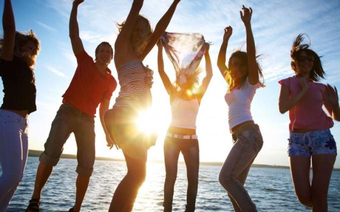 Как устроить вечеринку летом