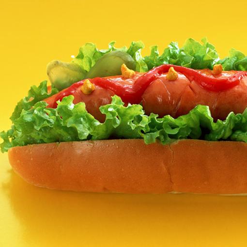 Как проходит Международный конкурс поедания хот-догов в США