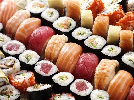 Почему нельзя есть суши и ролы до 21 года