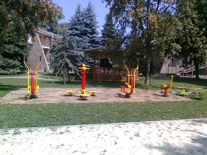 What is outdoor fitness equipment