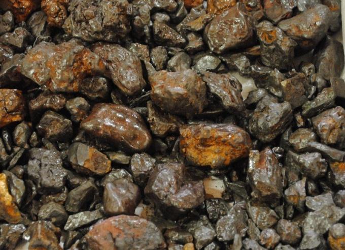 Как добывается железная руда