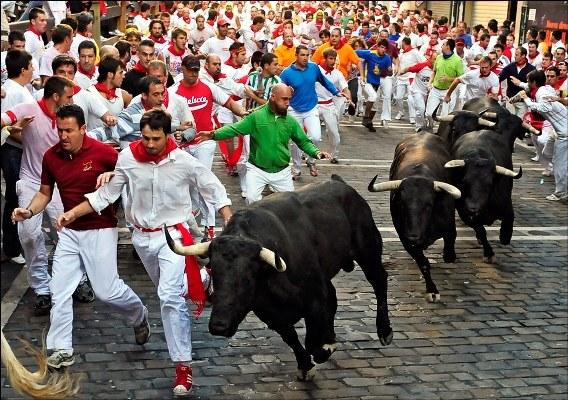 Как попасть на Фестиваль Сен-Фермин в Памплоне