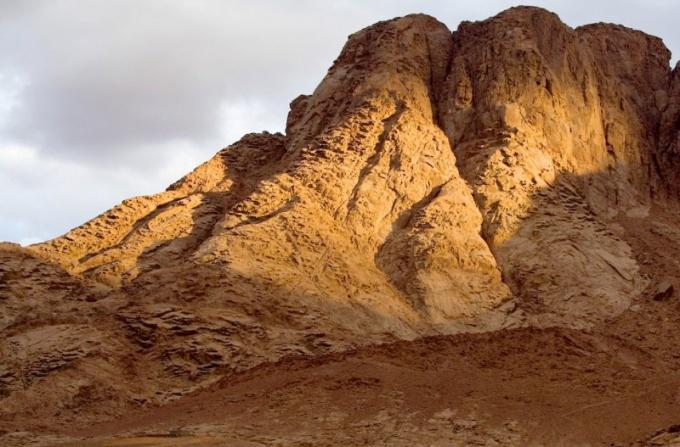 Какое событие произошло на горе Синай