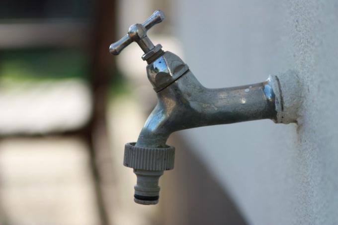 Зачем летом отключают горячую воду