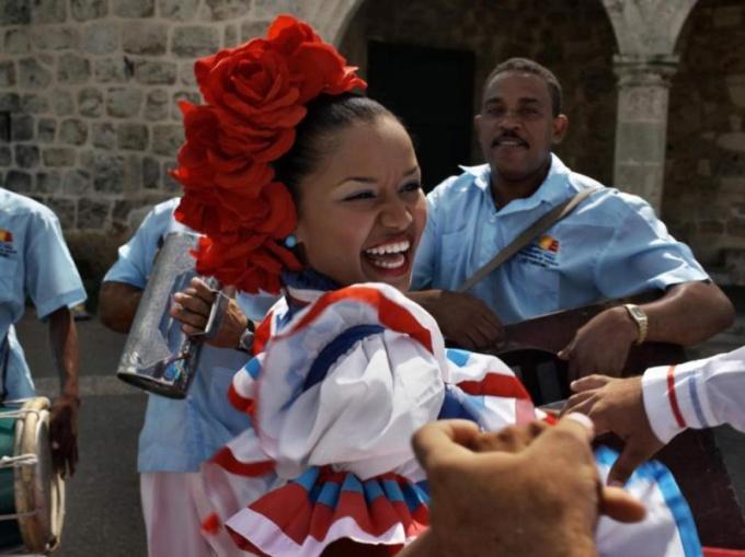 """Как попасть на Фестиваль """"Меренга"""" в Санто Доминго"""