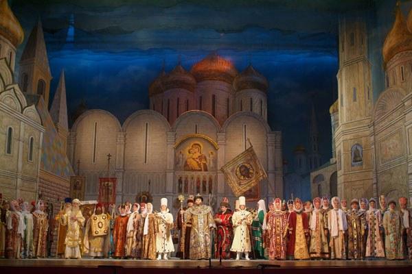 """Как попасть на оперу """"Борис Годунов"""""""
