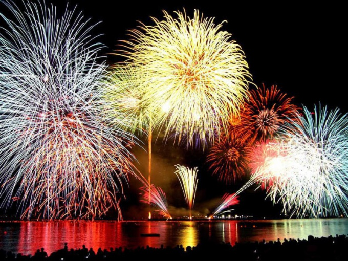 Как проходит фестиваль «Кельнские огни»